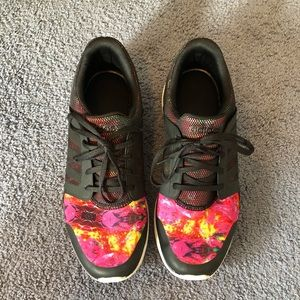 Women's Adidas Running Shoes Size 9